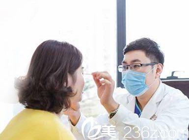 青岛博士医学美容医院医生面诊的时候