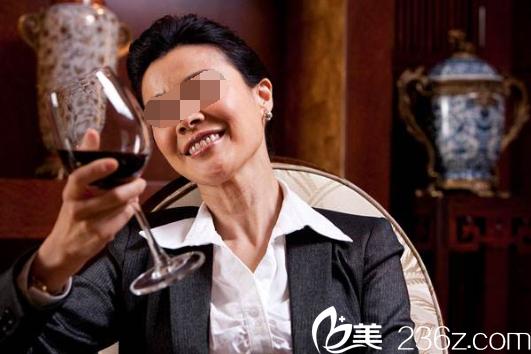 韩国原辰整形南室长说线雕面部提升可以让你年轻20岁