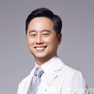 南京医科大学友谊整形外科医院金柱翰院长