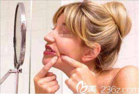 韩国童颜皮肤中心告诉你长了痘痘该怎么办?要不要挤?