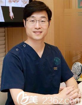 韩国灰姑娘整形医院朴信泓院长介绍自体脂肪填充面部好吗?