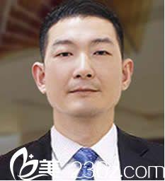 刘先锋  泉州欧菲整形美容中心主任