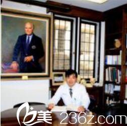 上海九院祝联告诉你,如何正确的祛除眼袋