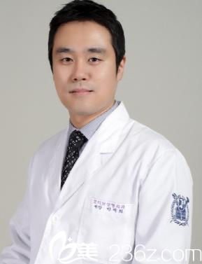 韩国MOTIVE整形外科院长朴宰熙