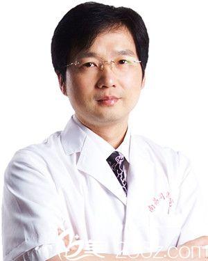 南昌同济美容医院专家黄庆武院长