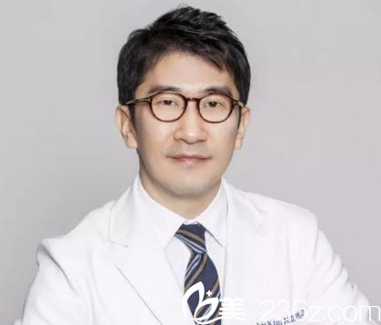 福利:韩国明星私约专家金锡柱教授本周日坐诊百嘉丽,他擅长玻尿酸+线雕提升,约不?