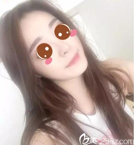 为了不再画眉上浪费时间,我去韩国BE&ME找朴晋弘做韩式半永久纹眉