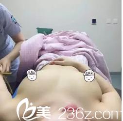 潍坊奎文博雅整形医院假体隆胸日记分享,我的胸其实不算小,也有B吧,不过胸型不好看有点外扩和下垂