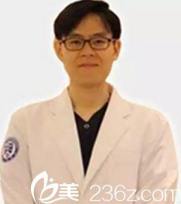 韩国本沐整形李俊雨院长