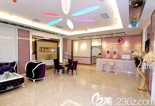 南宁韩星9月五周年院庆 李科专家眼部整形折购价5960元千份玻尿酸免费送