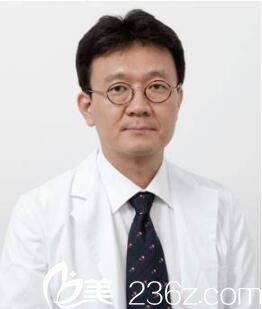 韩国奥拉克皮肤科整外科柳民熙