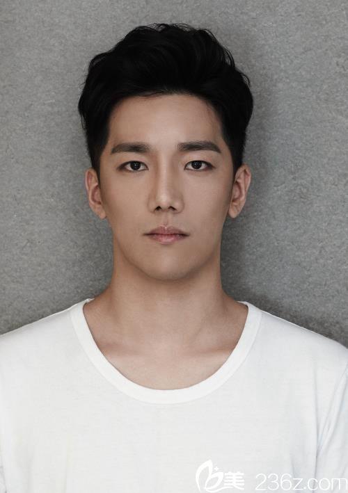 小哥哥在韩国普罗菲耳(profile)整形医院V-LINE手术后秒变韩国欧巴