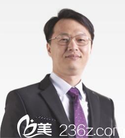 上海艺星医疗美容医院郑皓均