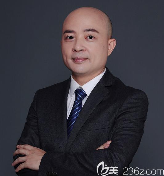 艺星医疗美容医院院长杨国梁