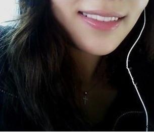我是那种长的好看可是牙齿却特难看的那种女,就是因为这点我