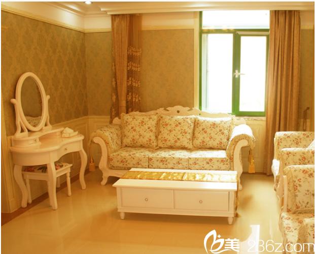 北京玉之光整形美容医院候诊室