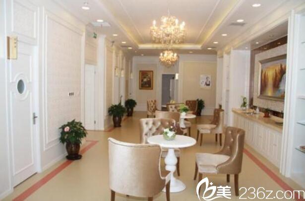 上海仁爱医院整形美容科休息区