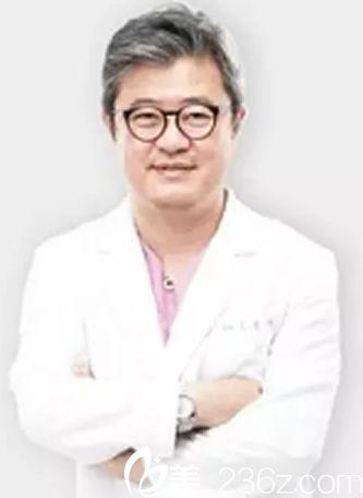 韩国本沐整形医生都镇雨