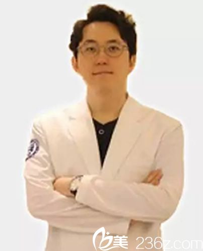 韩国本沐整形尹永珍外科医生