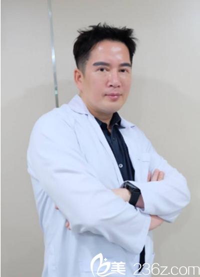 泰国曼谷雨季整形医院院长 Dr.K