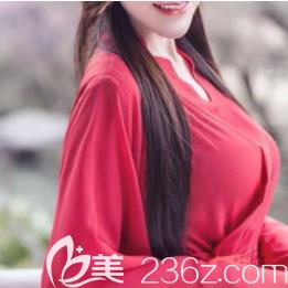 不知怎地在重庆艺星整形朱家旭那儿做了娜绮丽水滴假体胸后我总脑补自己各种美的样子!