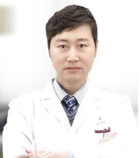 沈阳名流隆鼻医生王松