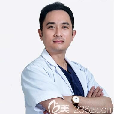 长沙爱思特整形医院脂肪精雕首席医生黄安华