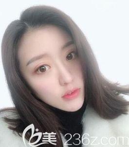 必须得说我被遵义韩美于建涛做的这个瘦脸针+假体垫下巴后的我迷住了。
