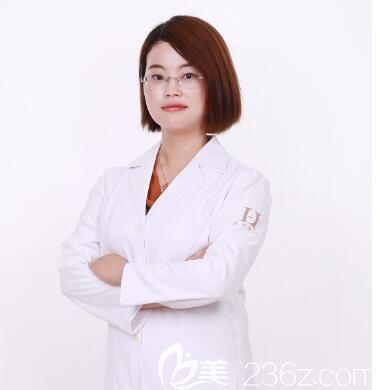 郑州华领祛痘领域人气医师:屈琳丽