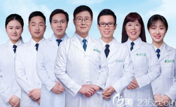 深圳弘和口腔部分医生图