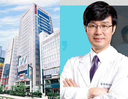 韩国原辰整形医院独栋高楼外景与朴原辰院长