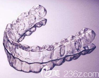 牙齿矫正隐形矫正器