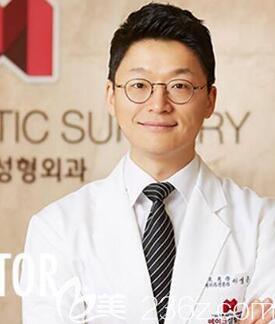 韩国美可整形医院李圣俊院长