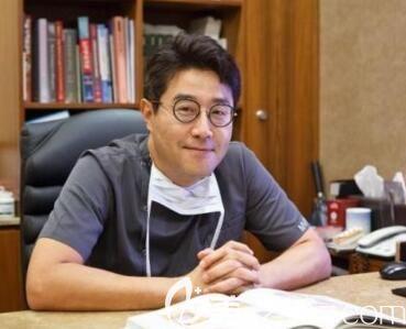 韩国MVP整形医院唇裂修复专科院长崔寓植