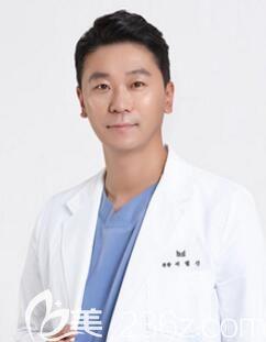 韩国美迪莹整形医院代表院长徐范信