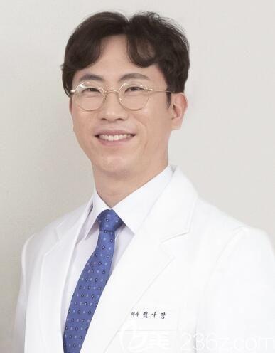 韩国明洞施丽美羕整容医院院长林萨郎