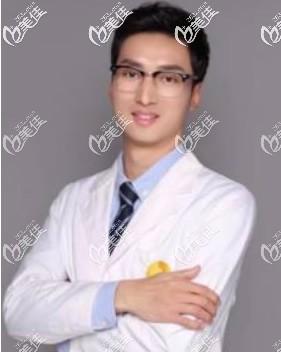 兰州韩整形外科主任郭晓磊