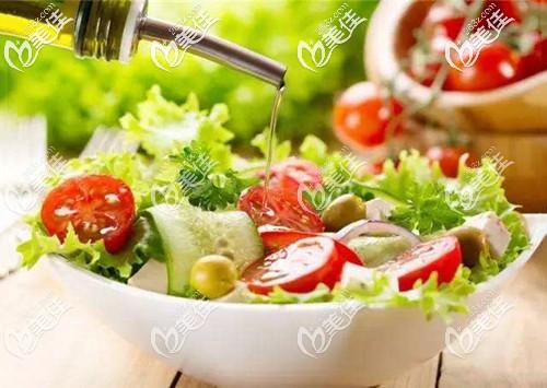 脂溢性脱发的正确饮食习惯