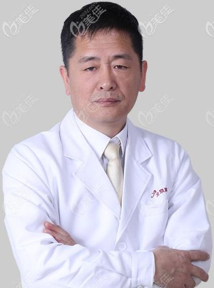 北京做鼻子口碑好的医生范元涛医生