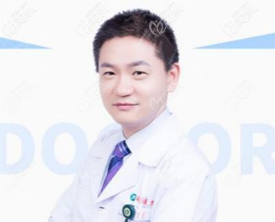 武汉同济医院吸脂有名的医生唐泓波