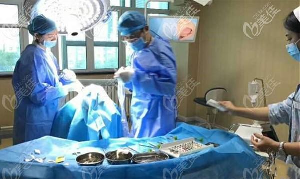 海融各科室均由专业领域的专业医生专项负责