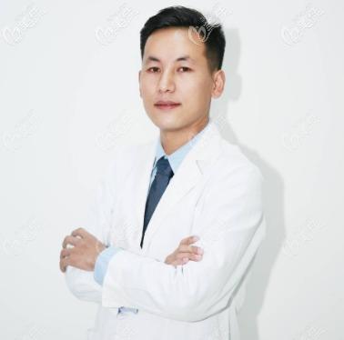 北京蒂凡妮医疗美容靳玉彪医生