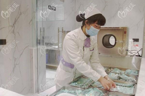 严格执行消毒灭菌制度
