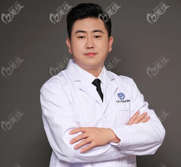 四川省人民医院东篱医院整形美容外科医生刘祎