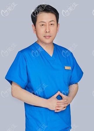 雷云飞医生