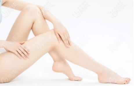 大腿环吸三四个月还有麻木感正常吗