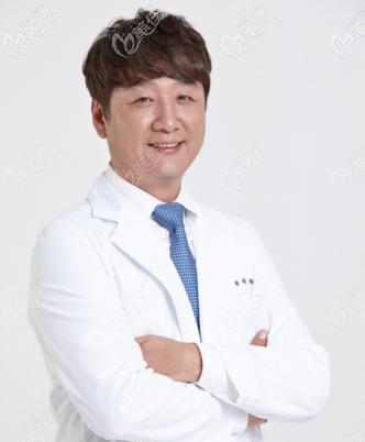 韩国做鼻子等不错的李炳浍医生