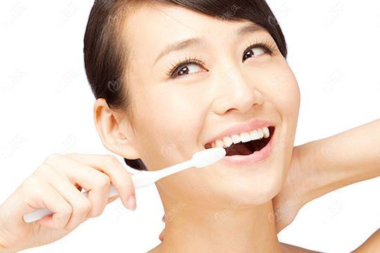 小孩子牙齿矫正选择哪种方式?